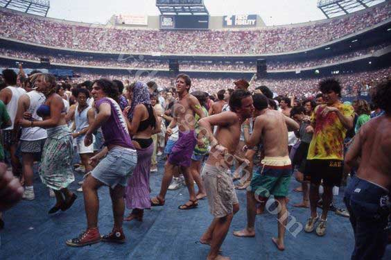 dancers at a grateful dead show